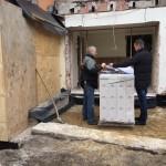 Bauleiter und Architekt bei der Arbeit